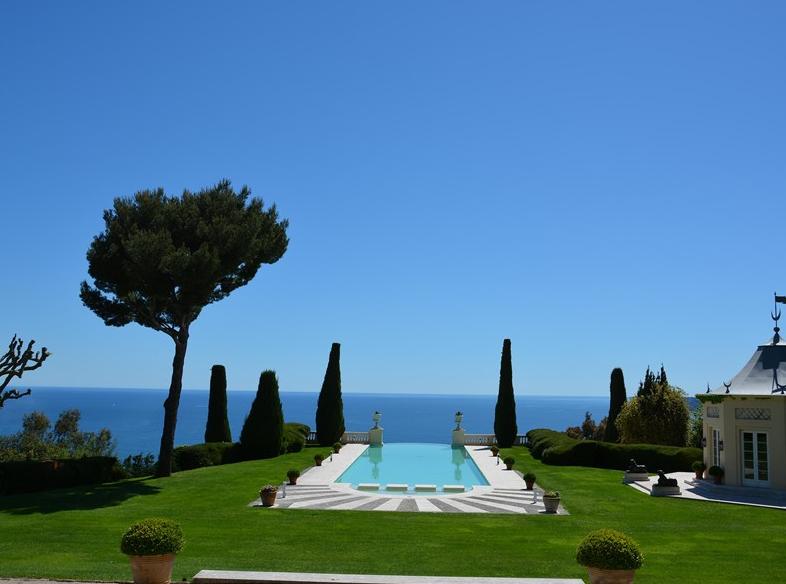 La Croix Des Gardes A Historic Castle In Cannes France Homes Of The Rich