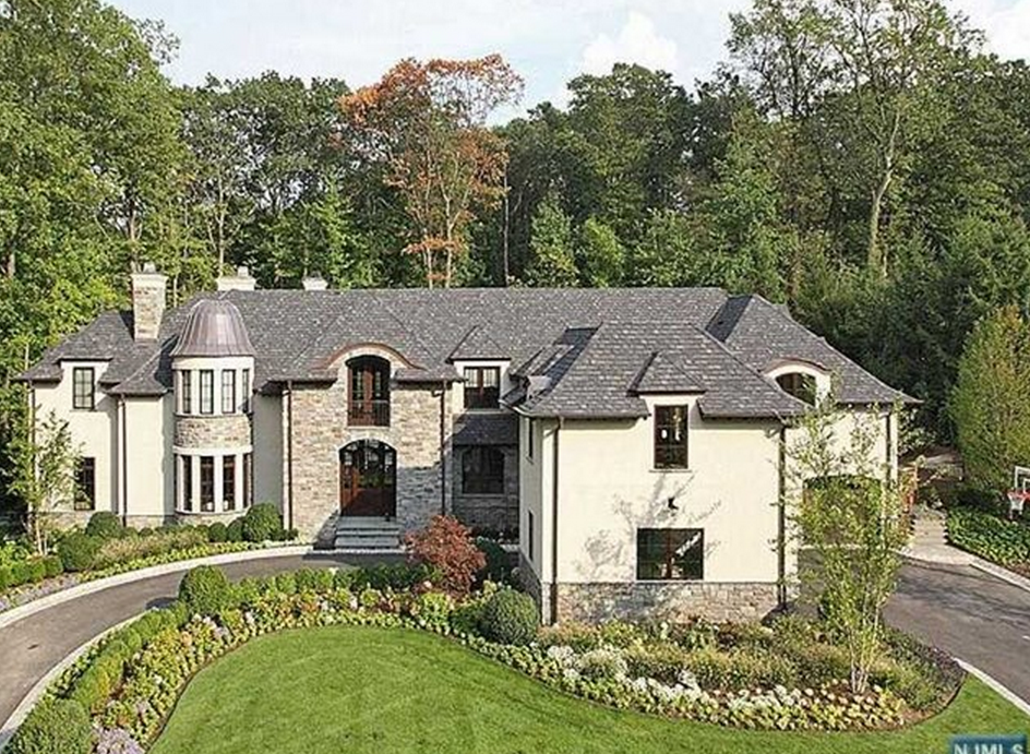 $4.9 Million Stone & Stucco Mansion In Tenafly, NJ