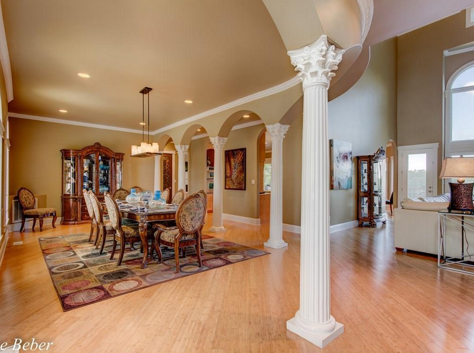 A Lakefront Mediterranean Mansion In Hot Springs Ar