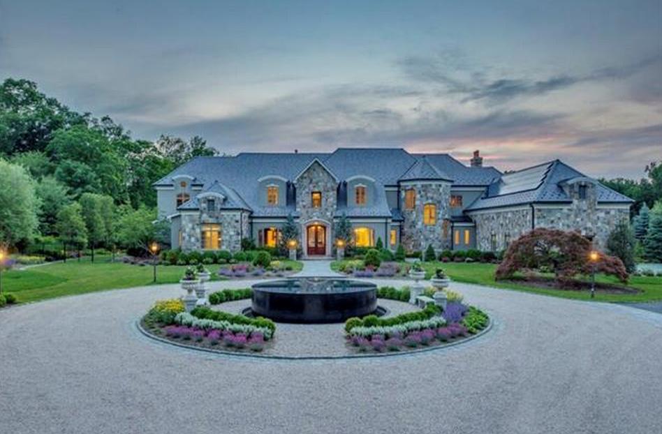 $9.975 Million Stone & Shingle Mansion In Bedford Corners, NY