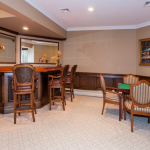 Game Room w/ Wet Bar