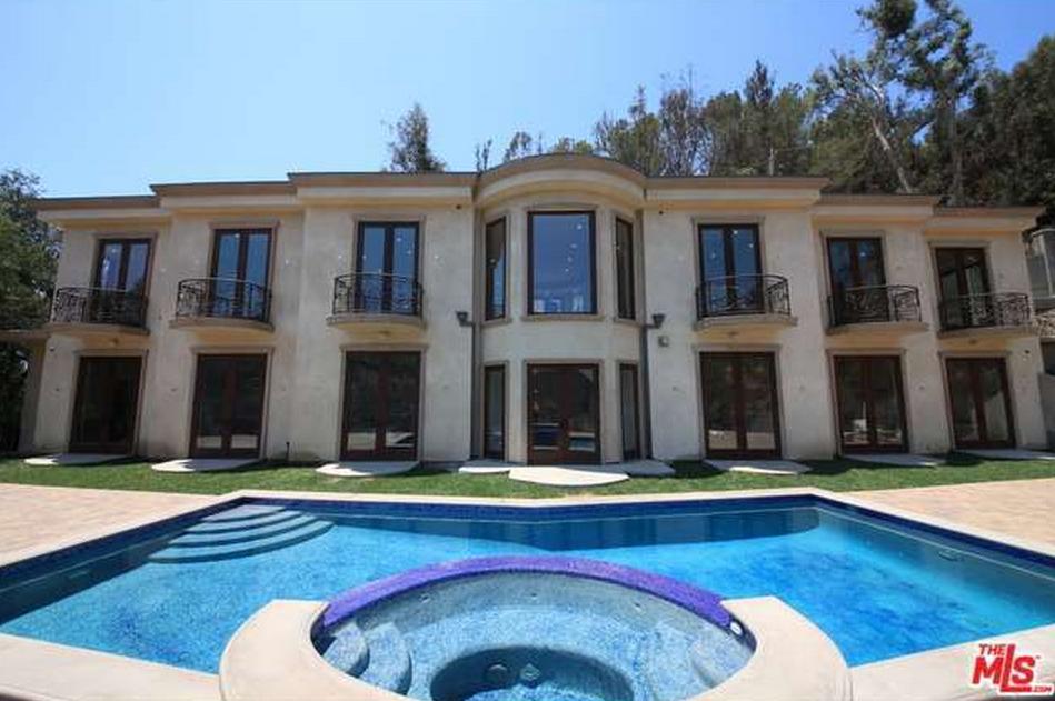 $8.995 Million Newly Built Mediterranean Home In Beverly Hills, CA