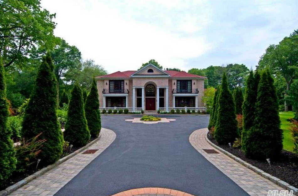 $4.8 Million Brick Colonial Mansion In Muttontown, NY