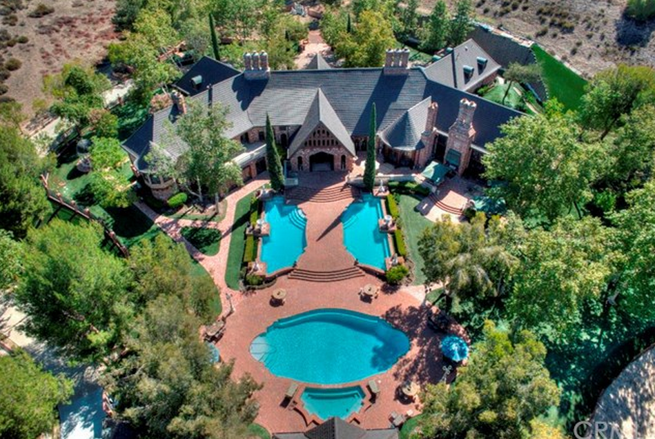 $9.5 Million Brick & Stone Estate In Coto De Caza, CA