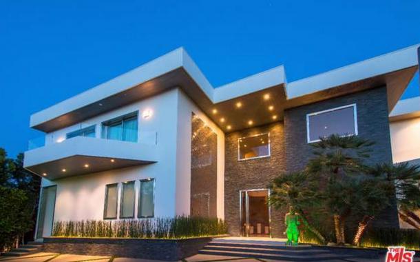 $23.9 Million Contemporary Mansion In Los Angeles, CA