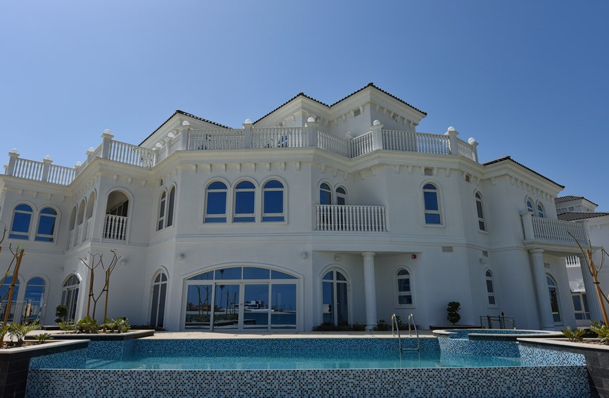 13 000 Square Foot Beachfront Mansion In Dubai Uae