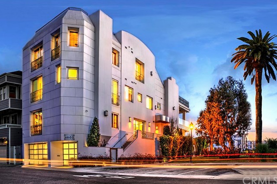 $9 Million Modern Waterfront Home In Marina Del Rey, CA