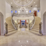 2-story Foyer w/ Doubel Staircase