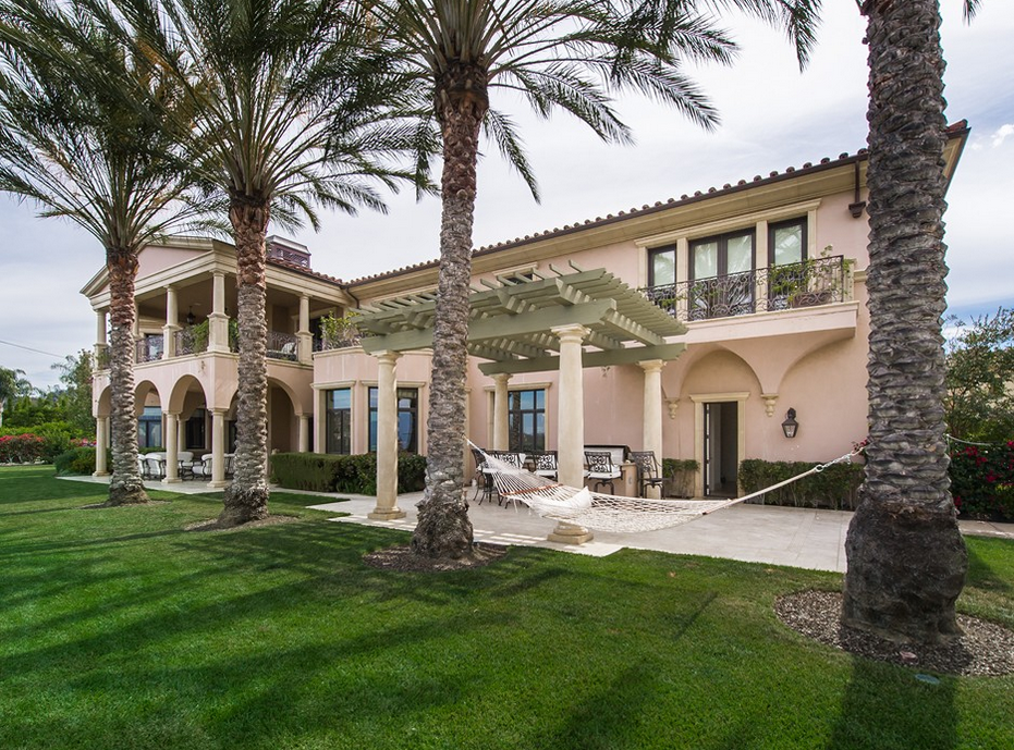 Rent Adrienne Maloof S Beverly Hills Mansion For 150 000 Month Homes Of The Rich