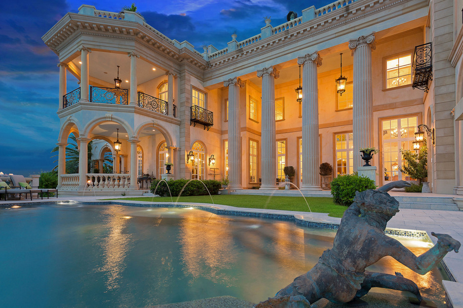 Stunning 23 000 square foot waterfront mansion in sarasota for What is a luxury home