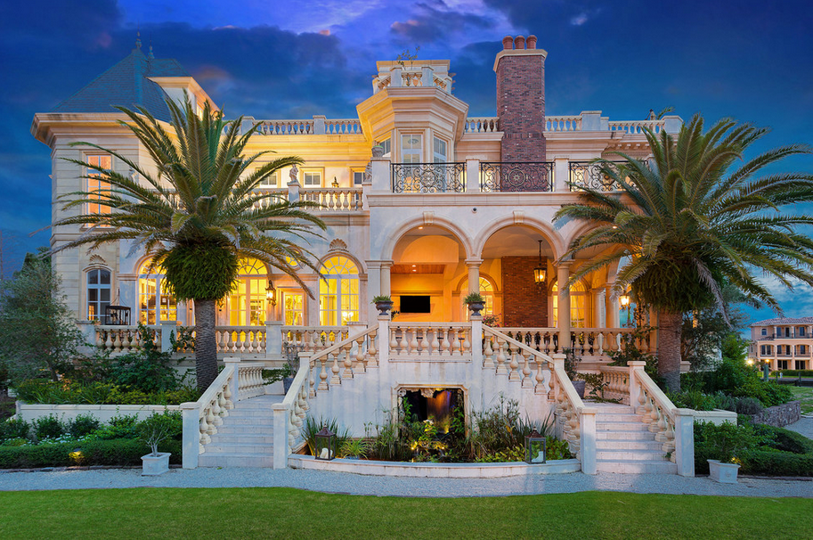 Stunning 23 000 Square Foot Waterfront Mansion In Sarasota