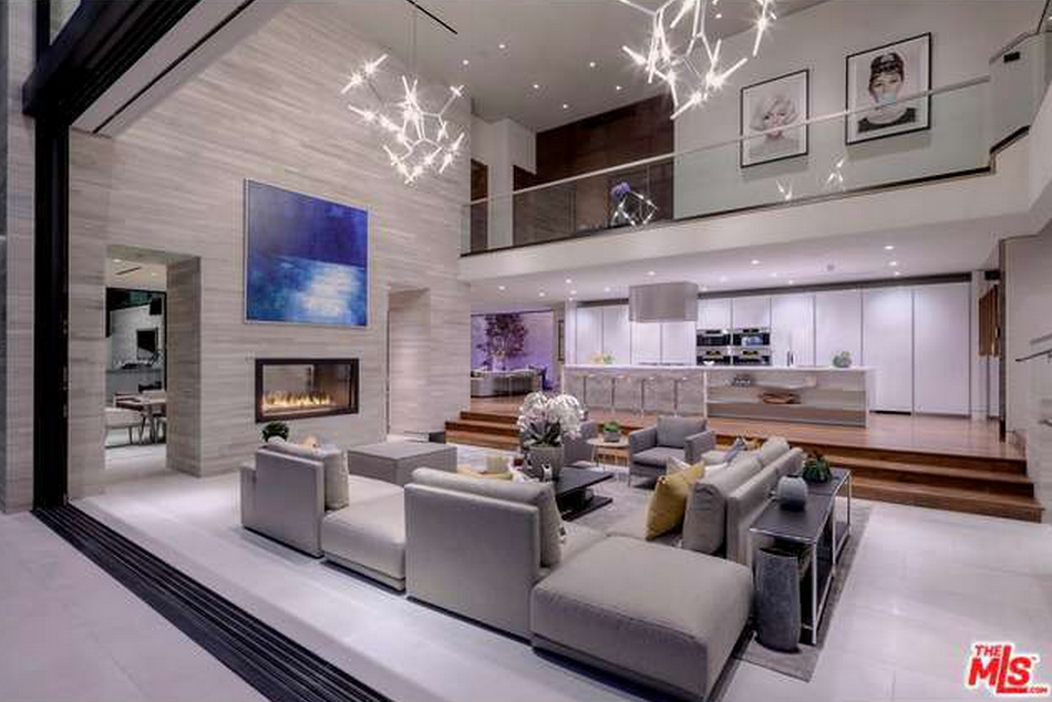 $23.95 Million Newly Built Contemporary Home In Los Angeles, CA