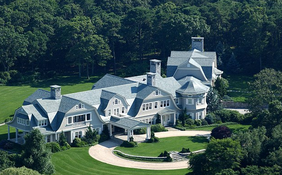Burnt Point A 95 Million Waterfront Estate In Wainscott