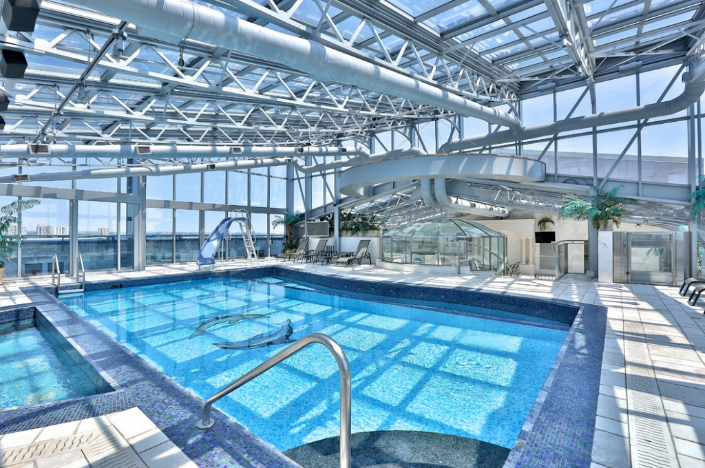 Lavish 16 000 square foot penthouse in ontario canada re for Average square footage of a swimming pool