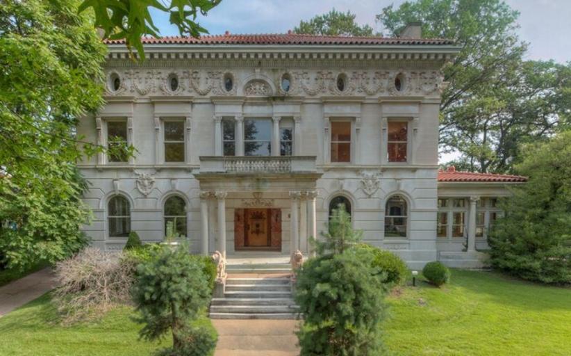 Washington Terrace – A Historic Mansion In Saint Louis, MO For Under $1.5 Million!