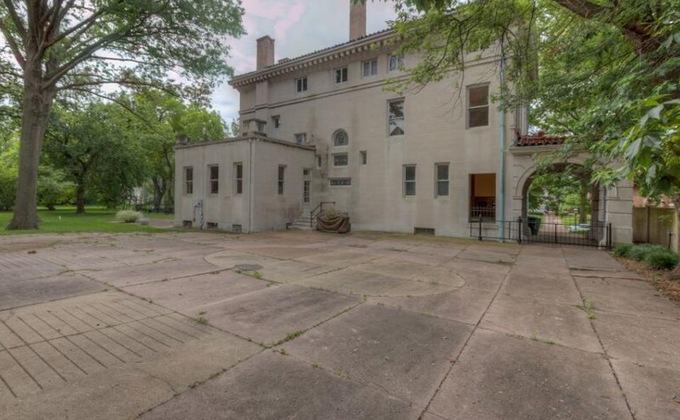 Washington Terrace A Historic Mansion In Saint Louis MO