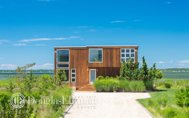 $5.495 Million Bayfront Home In Southampton, NY