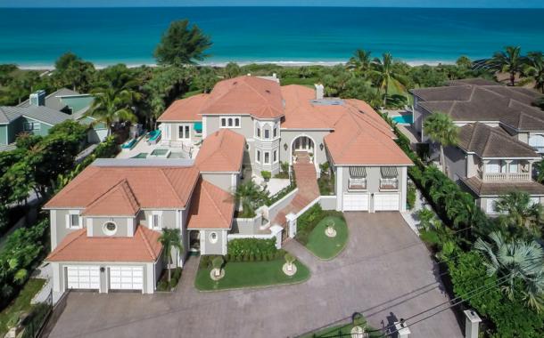 Casa de las Olas – A $7.9 Million Beachfront Home In Nokomis, FL