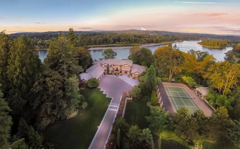 $12.9 Million Riverfront Mansion In West Linn, OR