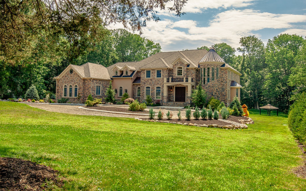 $1.6 Million Newly Built Stone & Stucco Home In Warren Township, NJ
