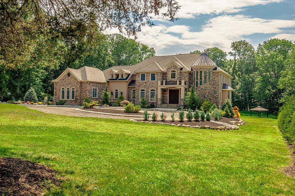 $1.6 Million Newly Built Stone & Stucco Home In Warren Township, NJ