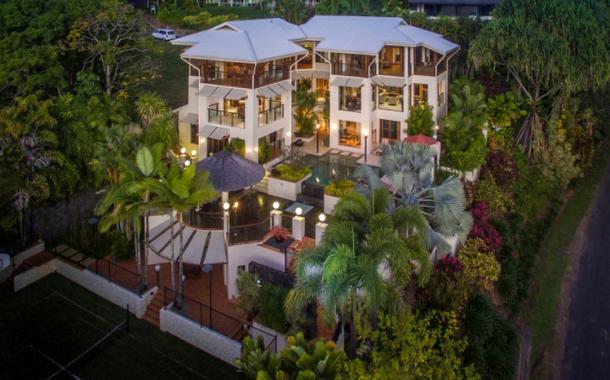 Villa Hemingway – A $10 Million Home In Queensland, AU