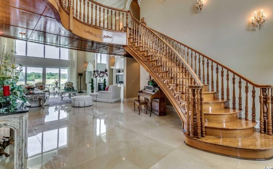 115 Acre Gated Estate In Lumberton, NC | Homes of the Rich