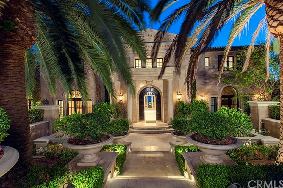 Heather Terry Dubrow S Former Newport Coast Mansion Re Listed Homes Of The Rich