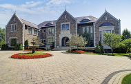 $4.95 Million Brick Mansion In Oak Brook, IL