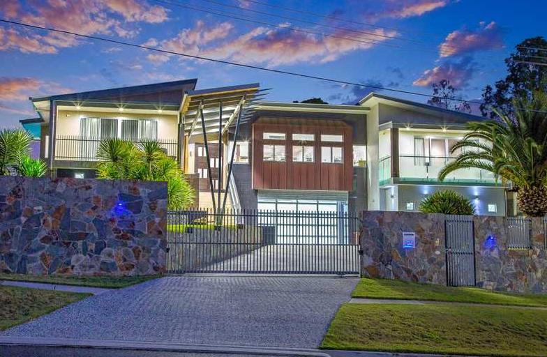 10,000 Square Foot Contemporary Mansion In Queensland, AU