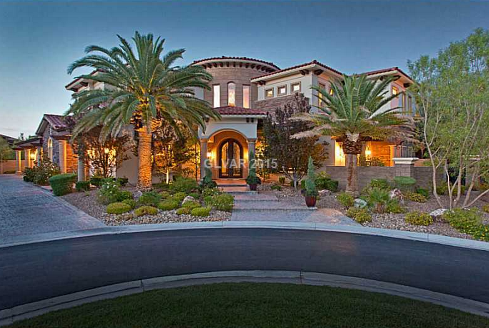 Image gallery mediterranean style mansions for Mediterranean style mansion