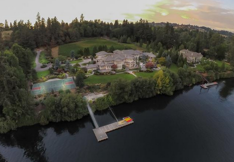14,000 Square Foot Riverfront Mansion In West Linn, OR