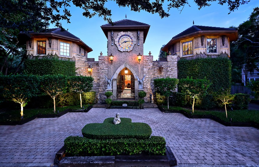 $2.395 Million Castle-Like Home In Sarasota, FL