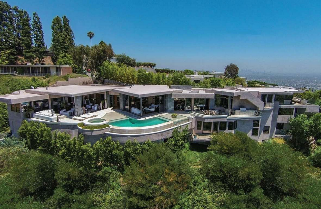 20 Million Contemporary Hilltop Home In Los Angeles Ca