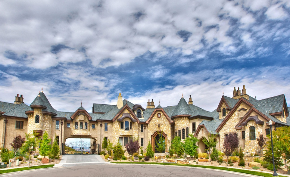 The draper castle a 23 000 square foot brick stone Cost to build a house in utah