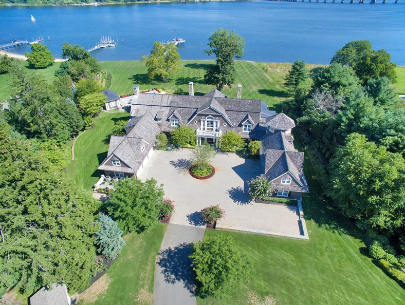 Riverblades – A $14.9 Million Waterfront Mansion In Rumson, NJ