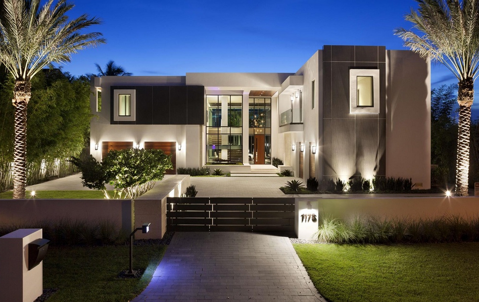 Million newly built waterfront contemporary mansion for Modern houses in florida