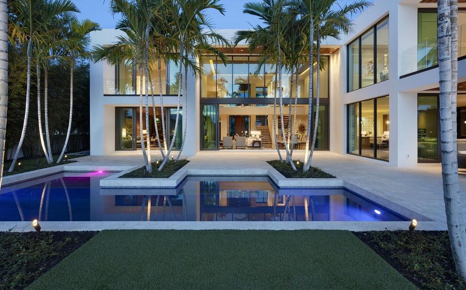 $14.5 Million Modern Waterfront Home In Boca Raton