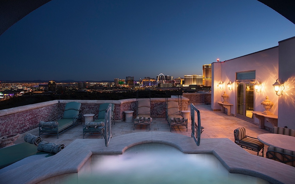 4 8 Million Lavish Penthouse In Las Vegas Nv Homes Of