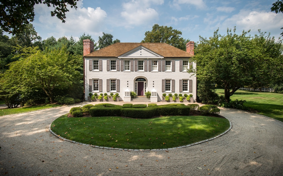 $3.695 Million Colonial Home In Darien, CT
