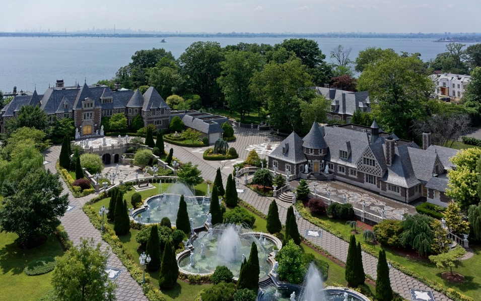 Incredible 100 Million Waterfront Compound In Kings Point