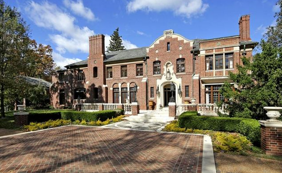 The Woodlands – A $10 Million Historic Brick Mansion In Saint Louis, MO