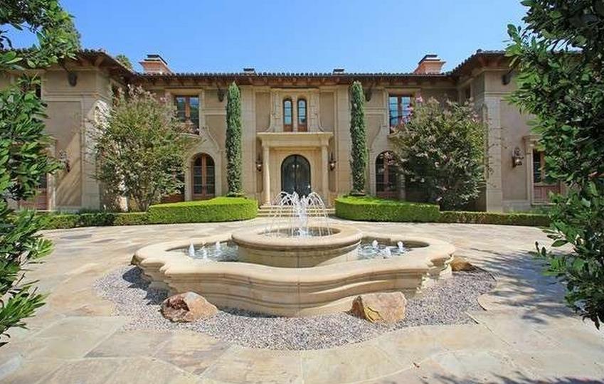 $43.5 Million Mediterranean Mansion In Beverly Hills, CA