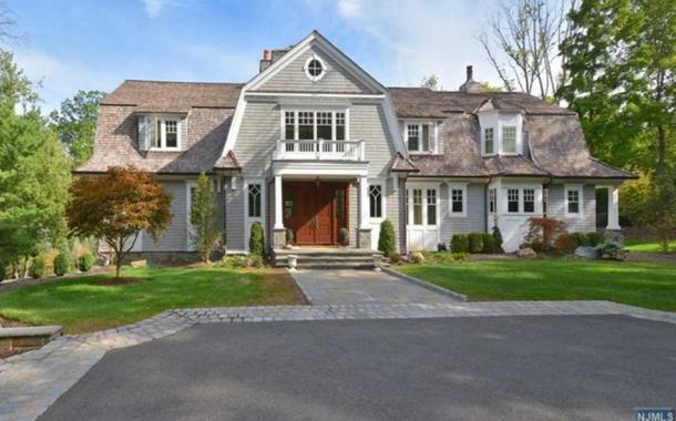$4.295 Million Shingle Home In Saddle River, NJ