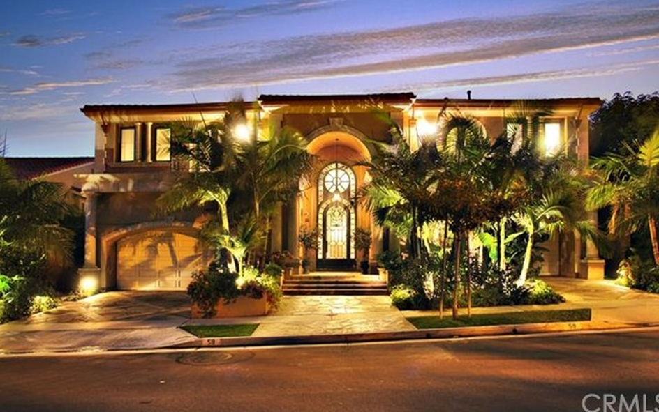 5 85 Million Mediterranean Home In Corona Del Mar Ca