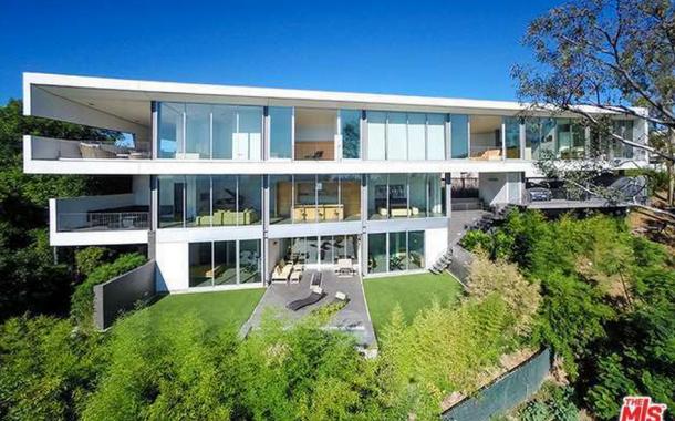 $8.5 Million Modern Home In Beverly Hills, CA