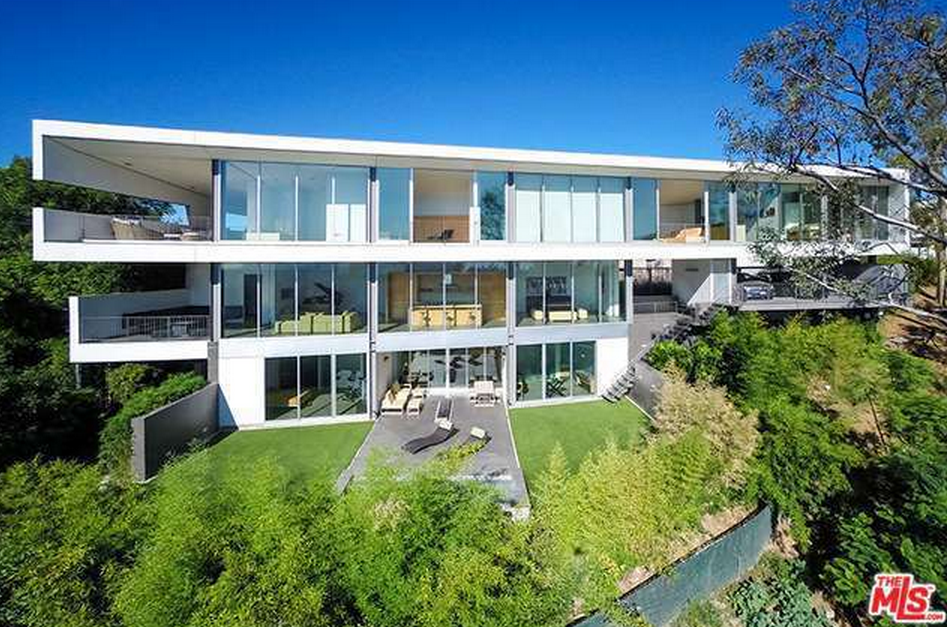 $8.5 Million Modern Home In Beverly Hills, CA