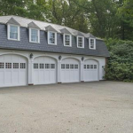 Carriage House w/ Garage