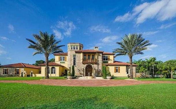 $4.1 Million Mediterranean Mansion In Southwest Ranches, FL