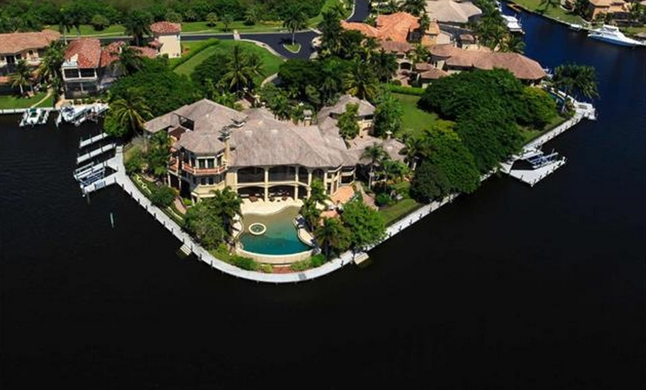 18 000 Square Foot Mediterranean Waterfront Mansion In